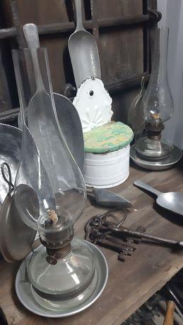 Stara lampa naftowa.