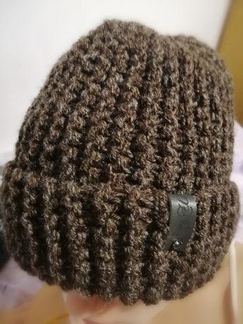 Вязаная шапочка, ручная работа