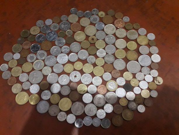 Монеты зарубежные 160 шт
