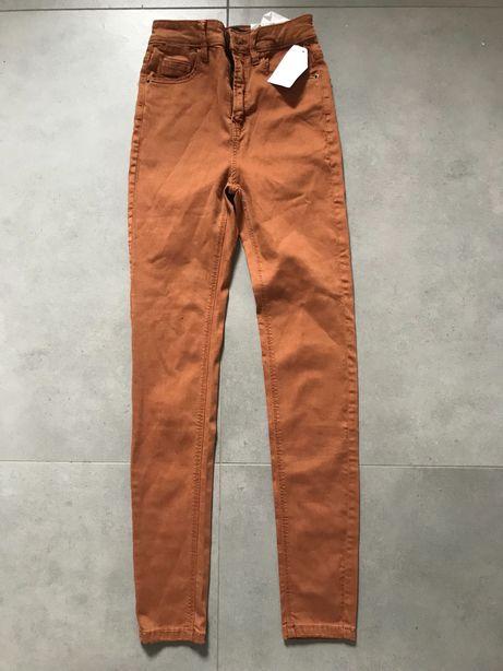 Nowe dżinsy rurki Stradivardius, r. 32/ ok.158 cm, wysoki stan