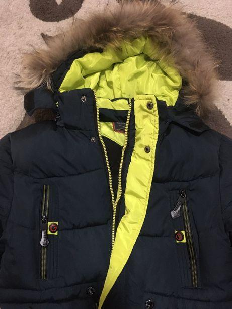 Зимова куртка на хлопчика 152см
