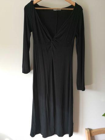 Czarna sukienka idealna na ciążowe sesje zdjęciowe wiskoza