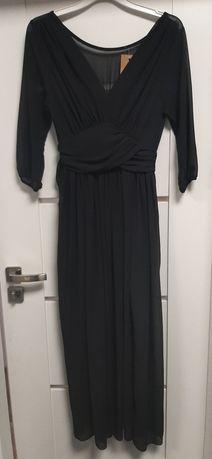 Czarna sukienka , delikatna