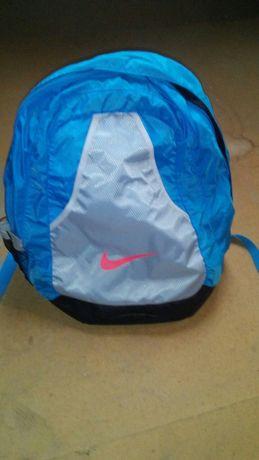 Plecaki szkolne i torebki damskie