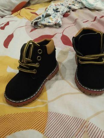 Дитячі осінні черевички на хлопчика