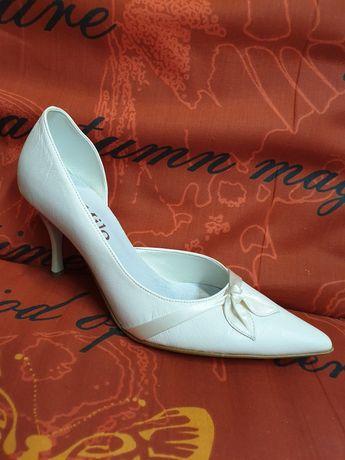 Obuwie ślubne czółenka szpilki buty wizytowe 38 37