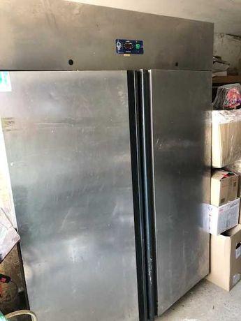 продаю холодильник для ресторану, піцеріі, кафе