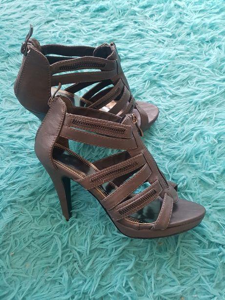 Sandałki sandały na obcasie botki szare