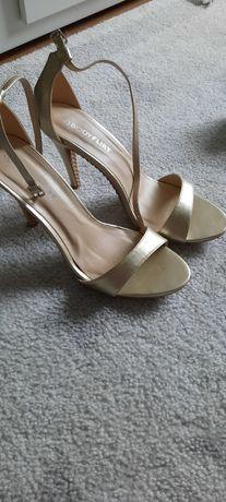 Sandałki złote 40