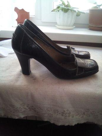 Кожаные   туфли .