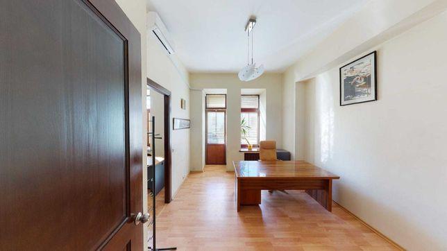 Квартира 133 кв.м ул. Саксаганского, 58 в старинном царском доме Центр