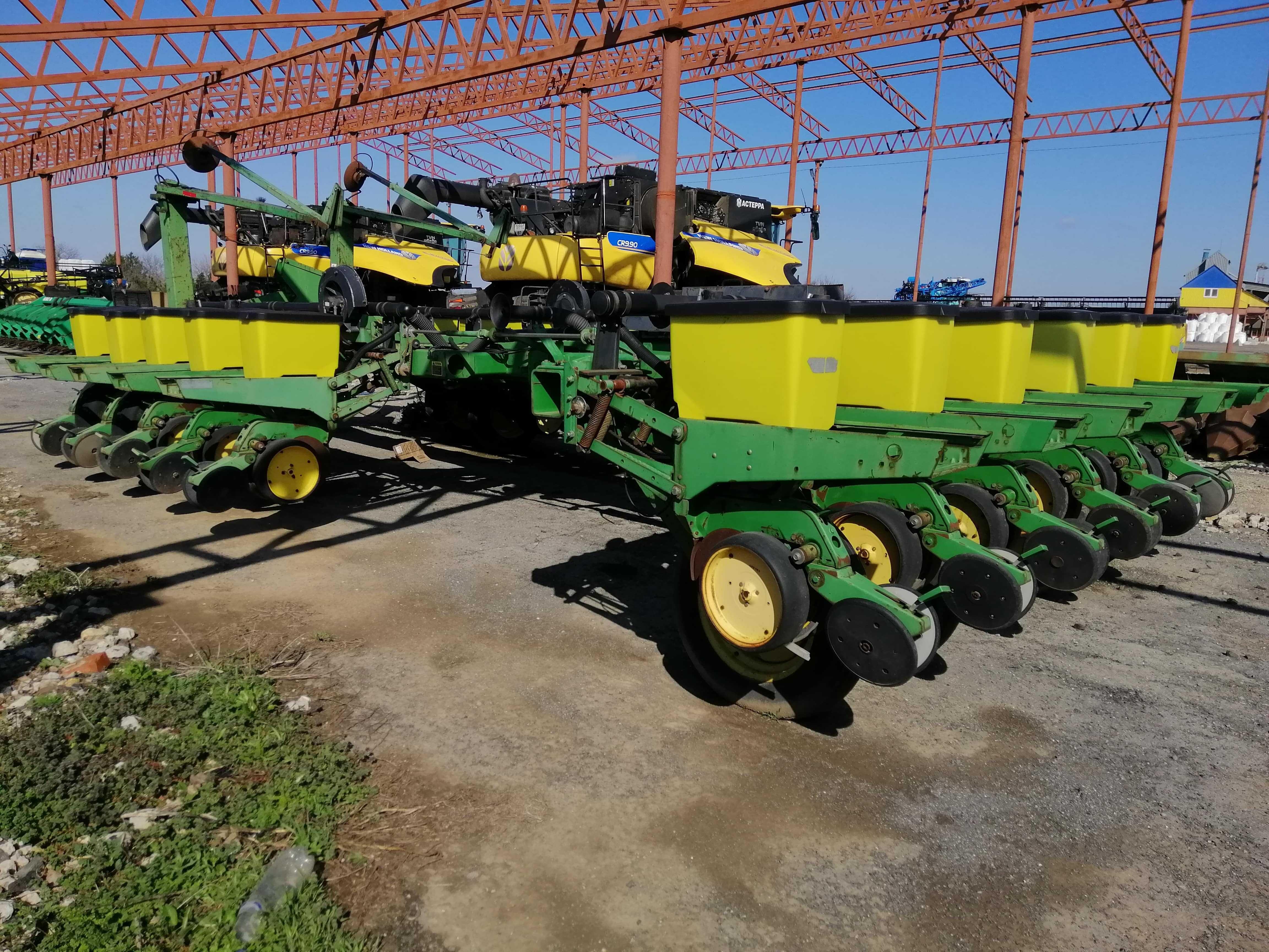 Сеялка пропашная John Deere-7200 (16-ти рядная) кукуруза подсолнечник