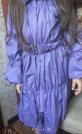 Курточка/плащик на дівчинку 7-9 років