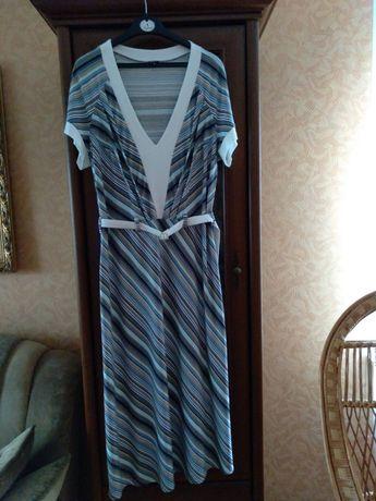 """Платье фирмы """"ROLADA'' в полоску."""