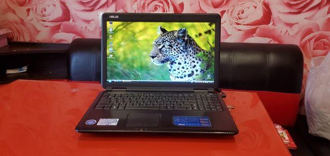 Ноутбук Asus 15,6 диагональ. Как новый!