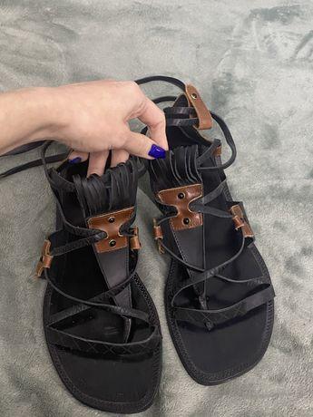 Босоножки сандалии гладиаторы с переплетами Zara