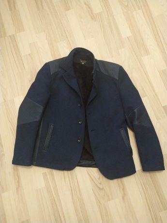 Пальто мужское 50р