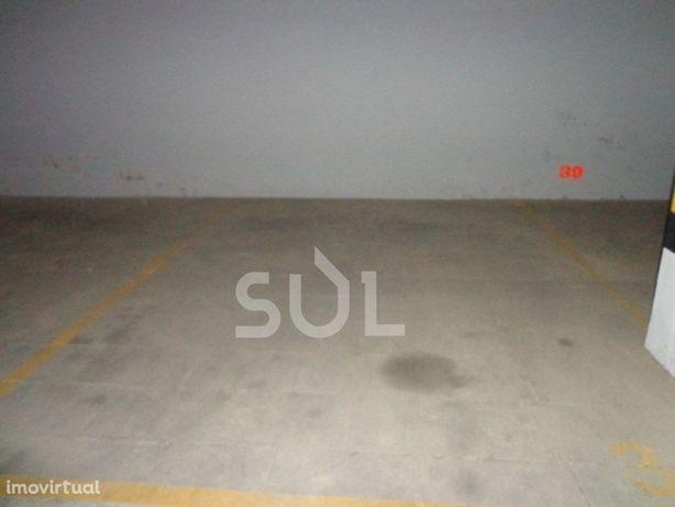 Lugar de estacionamento - Praia da Rocha