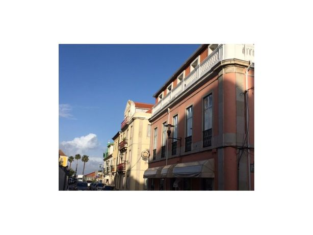 'Apartamento T2 em Paço de Arcos no Centro Histórico na R...