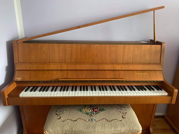 Pianino J.O.Baumgardt Linkoping