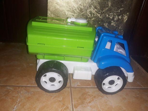 Автомобиль бензовоз детский.