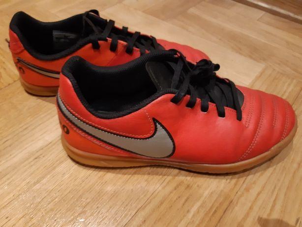 Buty Nike - dwie pary.