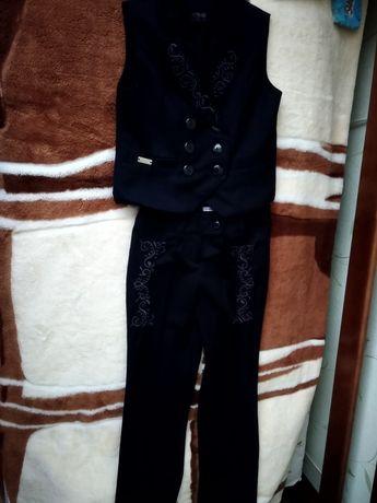 Стильный костюм школьный Suzie, с вышивкой, 116-140
