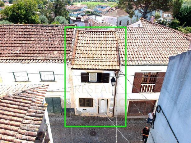 Moradia T2 centro histórico da Redinha Pombal. Ideal para...