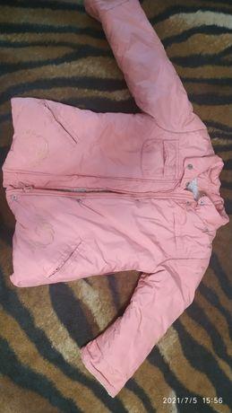 Зимова куртка на дівчинку 3-4 рочки