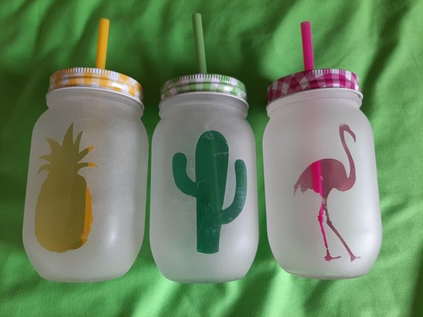 Copos com palhinha flamingo, cacto e ananás