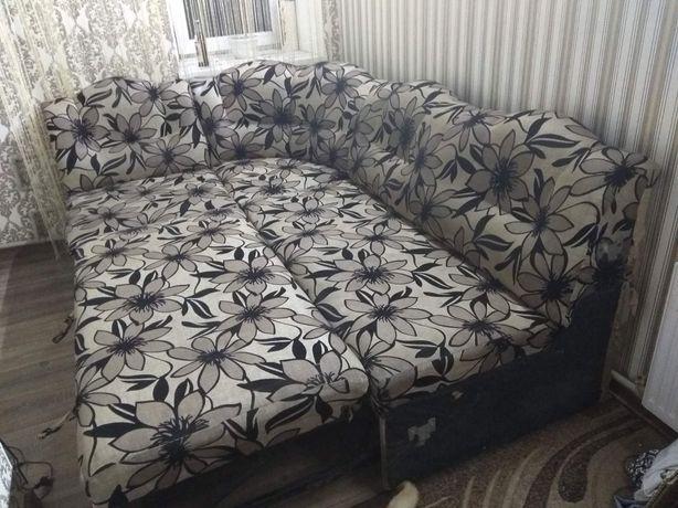 Продам диван б.у