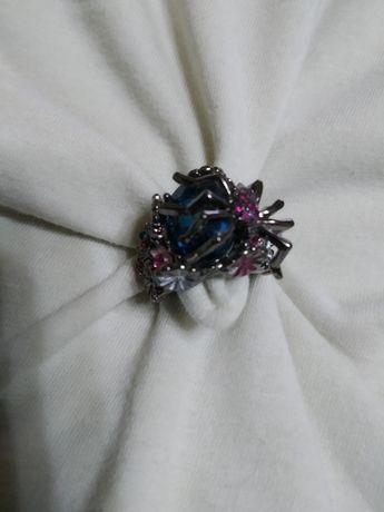 """Оригинальное кольцо с камнями """"паук"""" для рокерши или готик металистки!"""