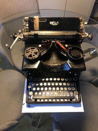 Máquina de Escrever Royal 10 (1914)