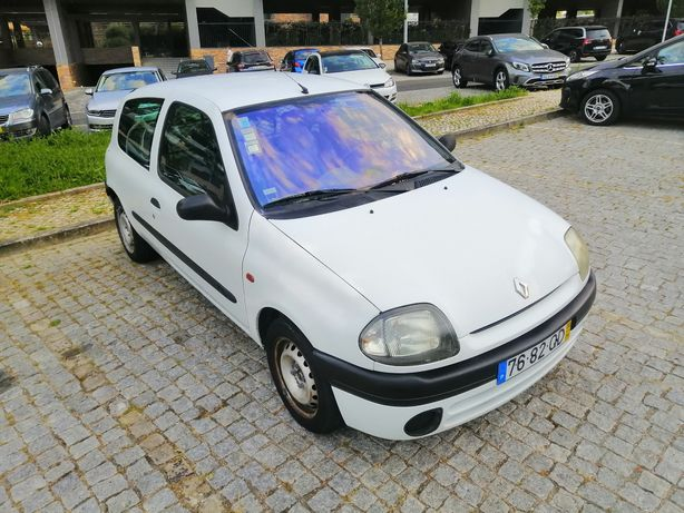 Renault clio 1.9D IPO em dia ano 2000