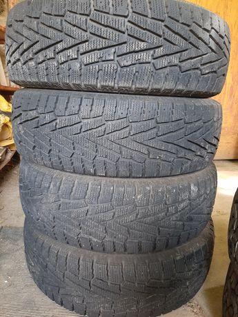 Продам зимнюю резину Roadstone как новая