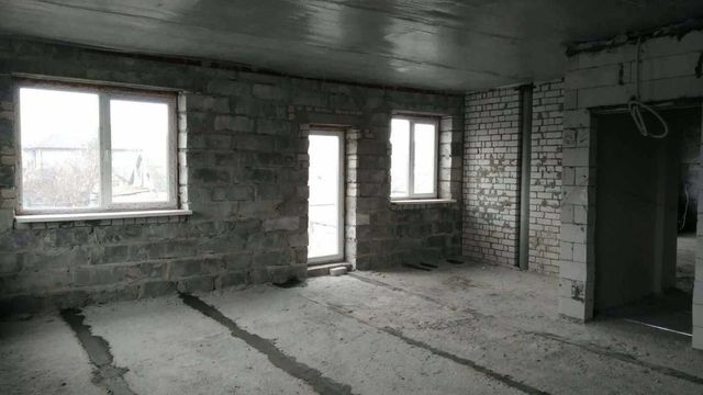 Продам 2 ком. квартиру по ул. Василия Сухомлинского