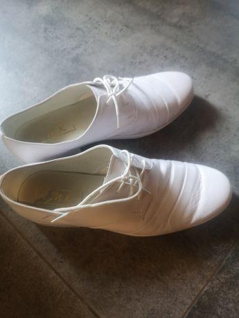 Buty komunijne białe r. 37