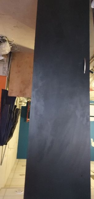 шафу деревяну 2 шт., у відмінному стані, з полицями і для одягу,