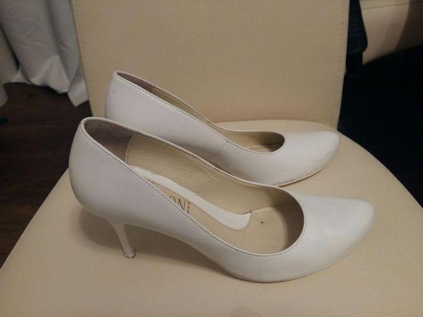 Czółenka skórzane buty białe Visconi 38 ślub jak nowe