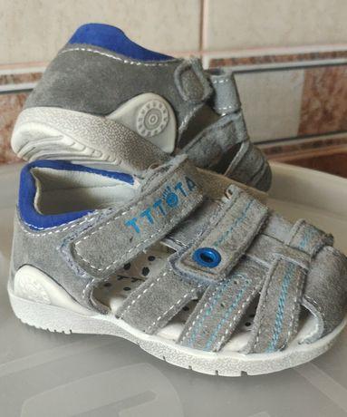 Замшевые сандалии Tttota
