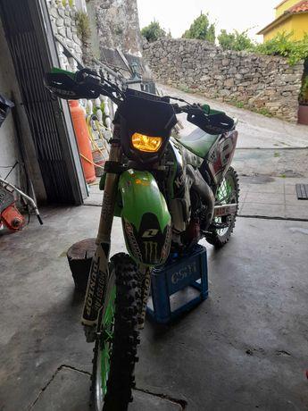 Kawasaki KX250F matrículada