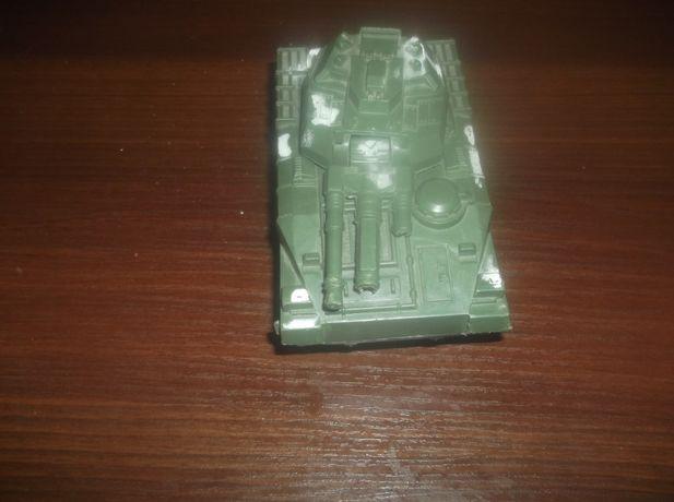 Продам детский заводной танк