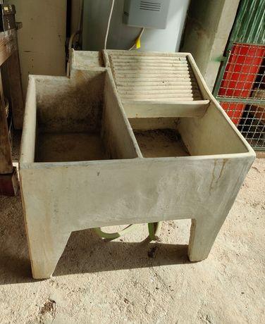 Vendo tanque em cimento