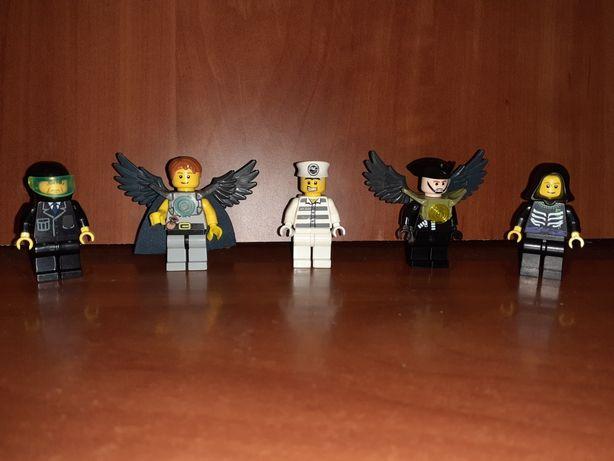 Figurki lego z akcesoriami