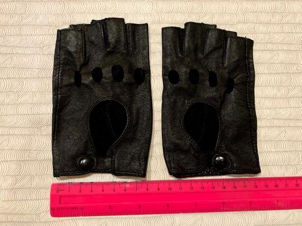 Кожаные женские перчатки без пальцев (митенки)