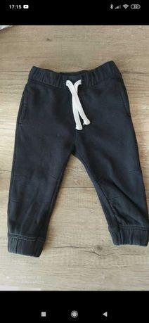 Spodnie dresowe czarne rozm. 86
