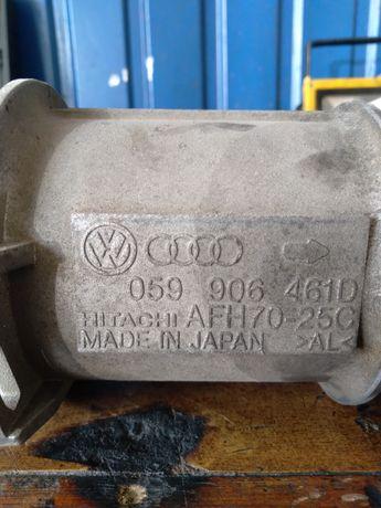 Расходомер массы воздуха 059906461D