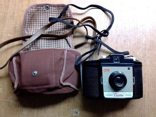 "Продам фотоаппарат Kodak ""Brownie"" Cresta"