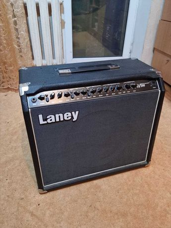 Гитарный комбоусилитель Laney LV-200