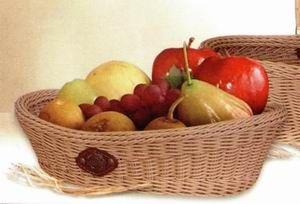 Плетенная корзинка для фруктов и конфет